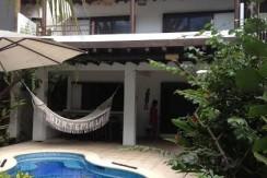 Villa de primer nivel con piscina propia