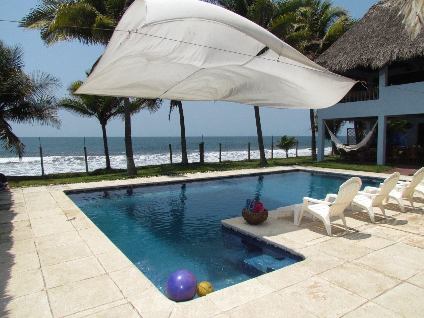 Frente al mar vendo casa ganga US$115,000.00