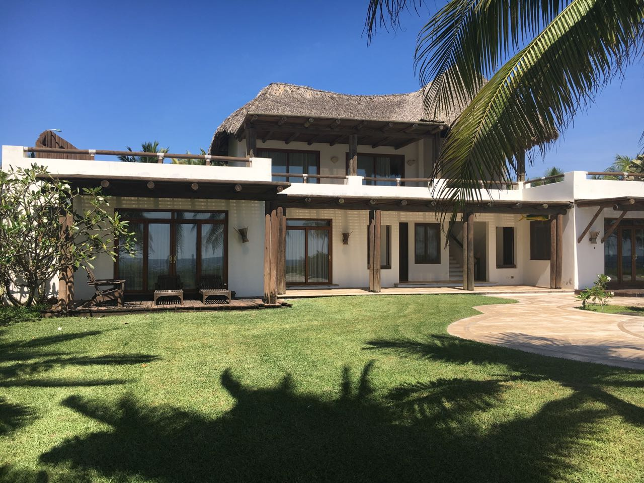 Casa Monterrico frente al mar US$1500.00