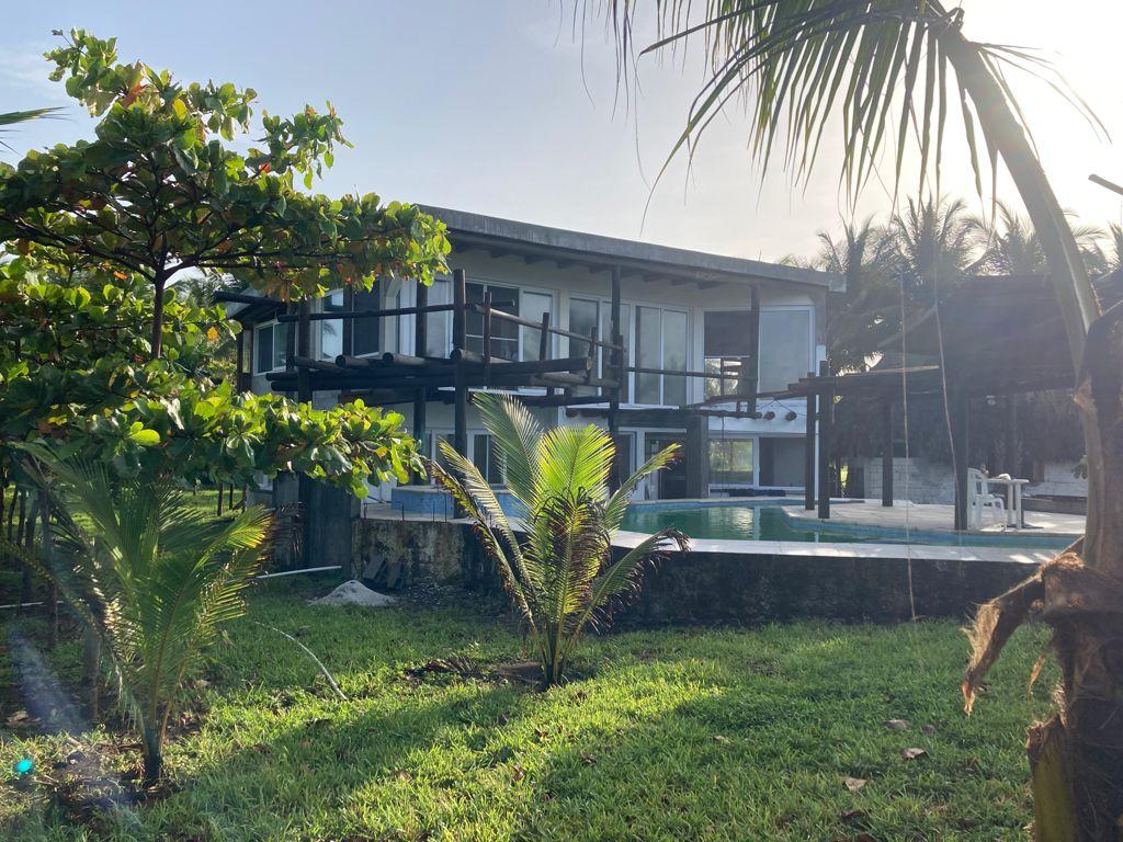 Monterrico frente al mar  Vendo casa  us$495,000.00
